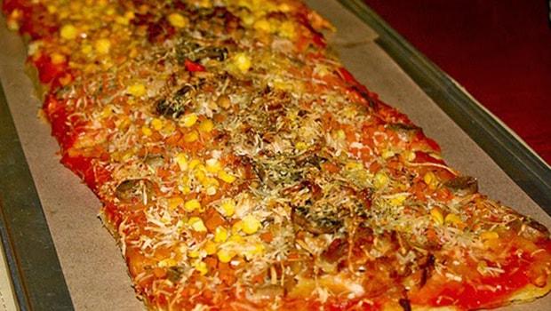 pizza meteran di bogor