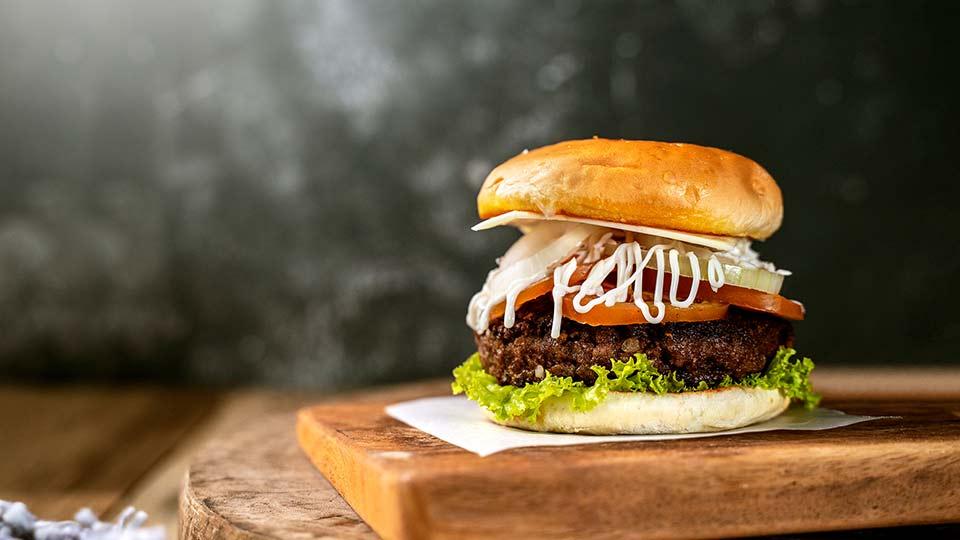 membuat beef burger
